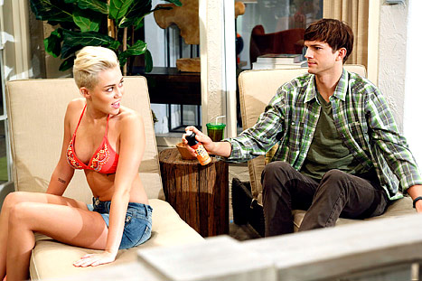 Miley-Cyrus-bikini